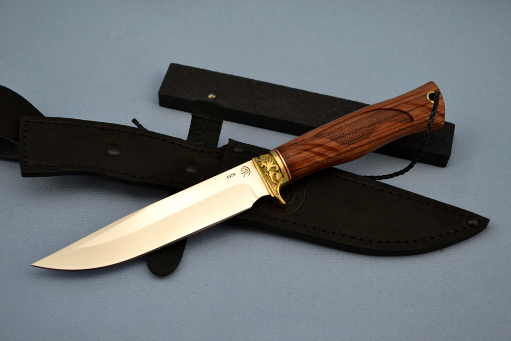 """Нож """"Беркут"""" (440C, художественное литье латунь перед, бубинга, резной)"""