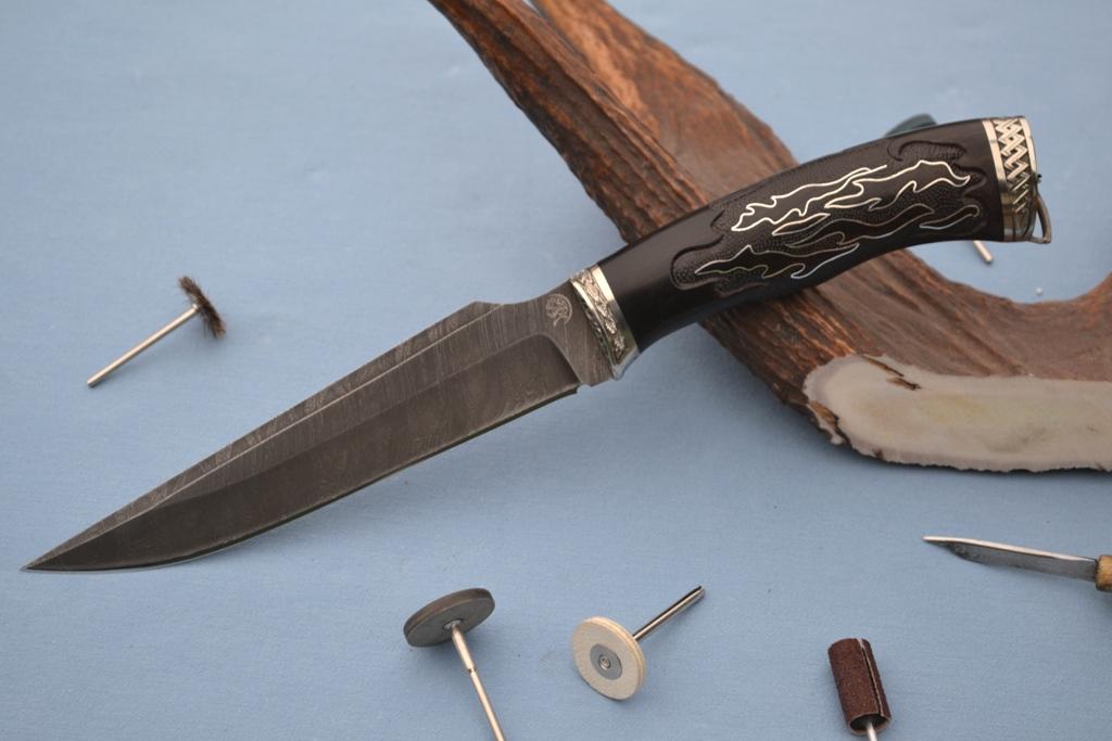 """Нож """"Гепард"""" (Дамасская сталь, художественное литье мельхиор, граб, резной, инкрустация серебро)"""